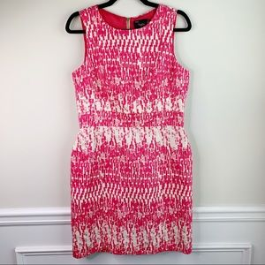 Just Taylor geometric pink sleeveless sheath dress